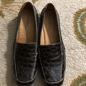 Brown faux snakeskin nautralizer loafers